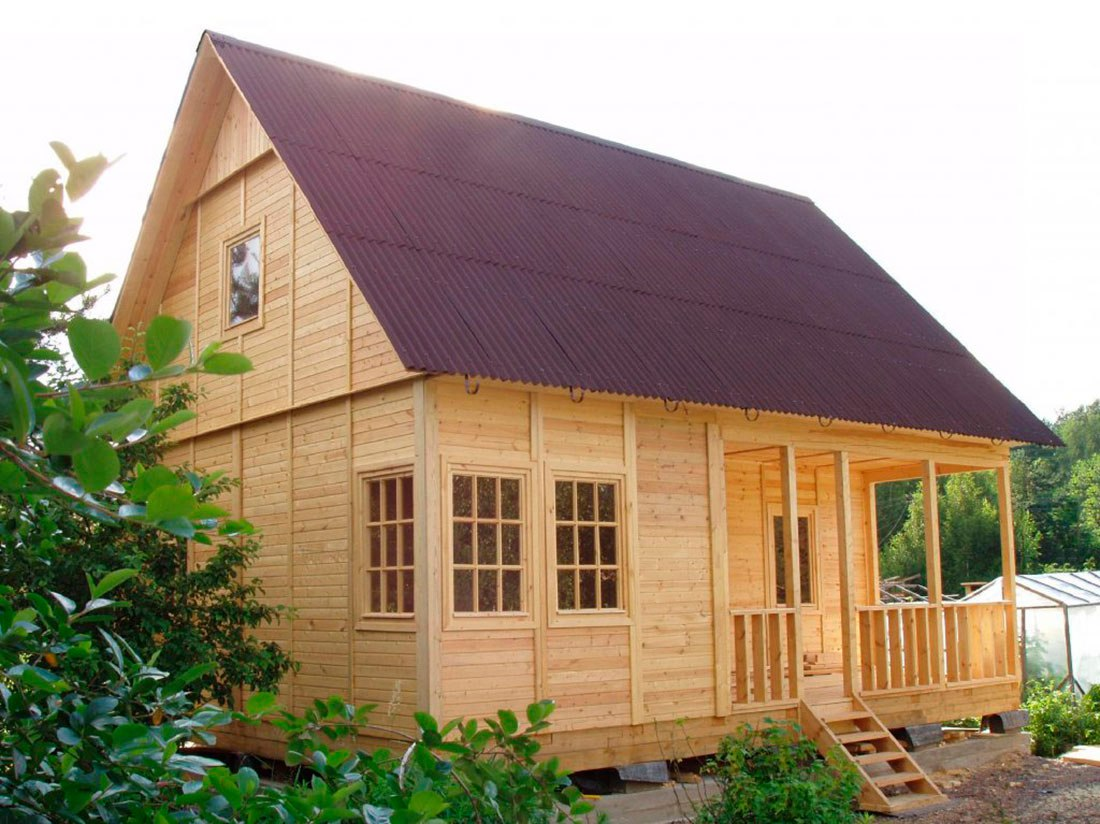 Как построить недорогой дачный домик своими руками