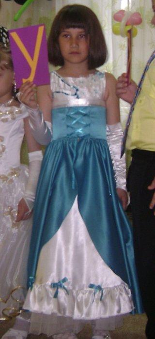 Продам платье для выпускного в детском саду на худенькую девочку рост...